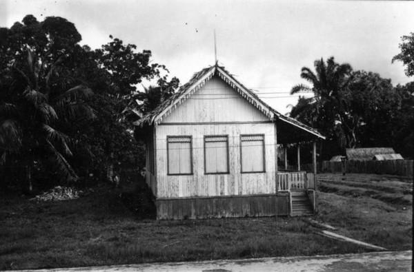Casa de madeira em Tarauacá (AC) - jan. 1953