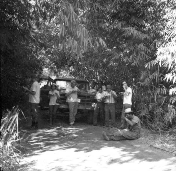 Almoço da comitiva do IBG em Plácido de Castro (AC) - 1968