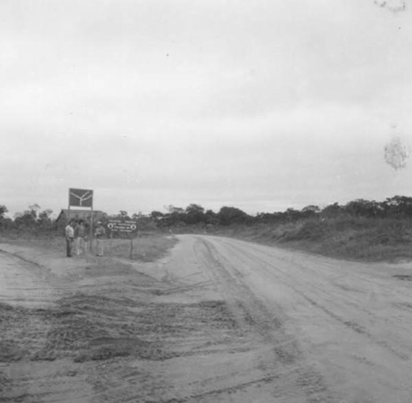 Estrada para a antiga Colônia de Japiim (AC) - 1974