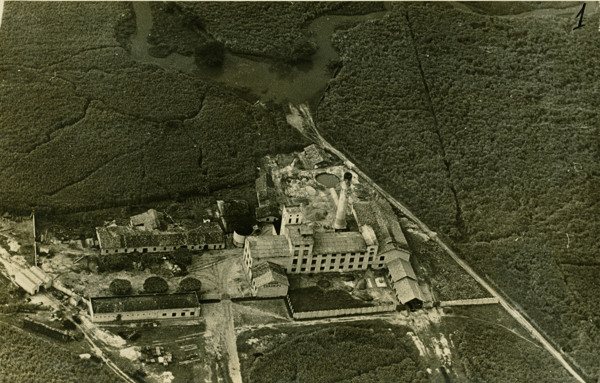 Vista aérea da Usina Coruripe : Coruripe, AL - [19--]