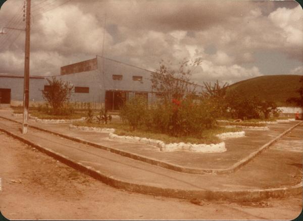 Praça da cadeia pública : Flexeiras, AL - 1983