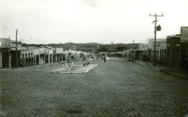 Avenida Coronel João Malta de Sá : Inhapi, AL - 1983