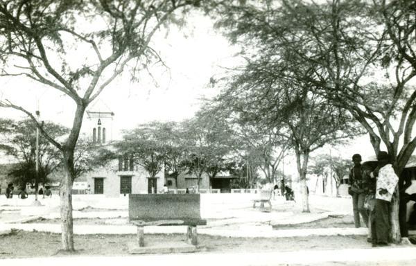 Praça da Matriz : Inhapi, AL - 1983