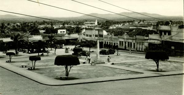 Praça da Independência : Palmeira dos Índios, AL - [19--]