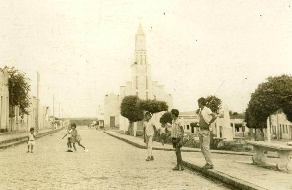 Igreja de Santo Antônio de Pádua : Praça de Santo Antônio : Olho d'Água das Flores, AL - [19--]