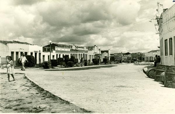 Principal logradouro da cidade : Paulo Jacinto, AL - [19--]