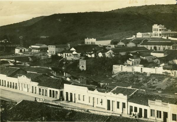 Vista parcial da cidade : Quebrangulo, AL - [19--]