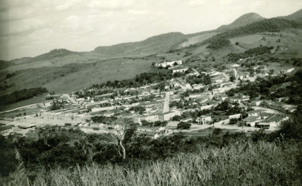 Vista parcial da cidade : Viçosa, AL - [19--]