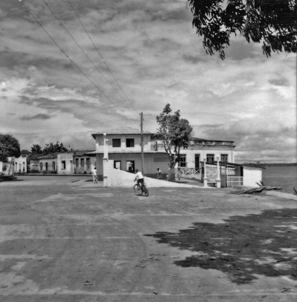 Aspecto da cidade de Maués (AM) - maio. 1966
