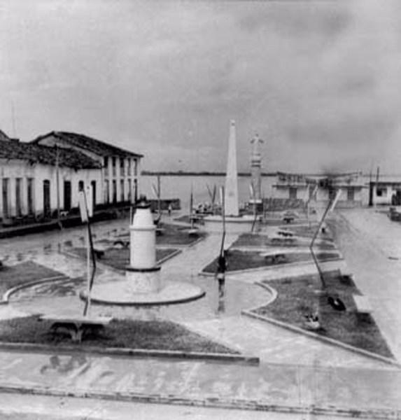 Praça principal de Manacapuru (AM) - fev.1966