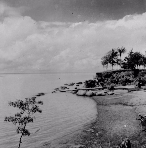 Praia perto da fortaleza de Macapá (AP) - 1955