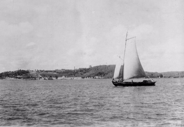 Veleiro em Camaçari (BA) - mar. 1952