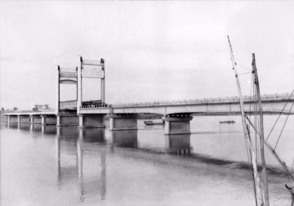Ponte Presidente Eurico Gaspar Dutra em Juazeiro (BA) - 1957