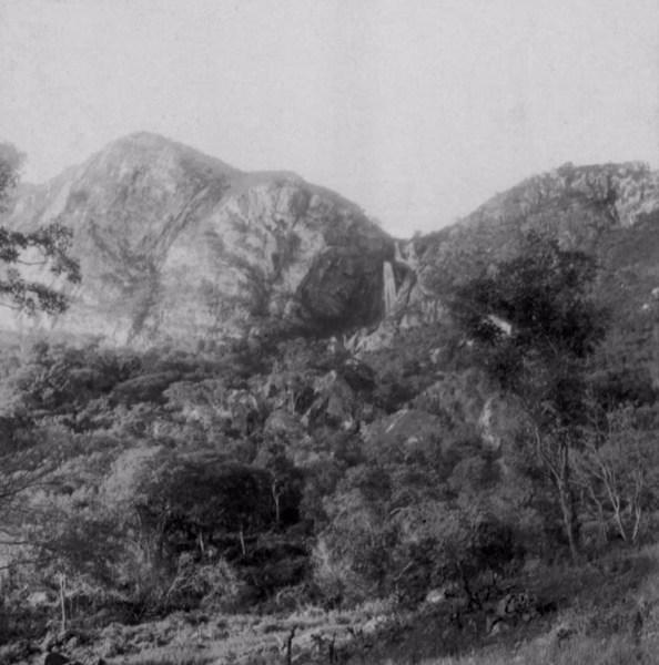 Cachoeira do Livramento do Rio de Contas no distrito de Livramento do Brumado : município de Livramento de Nossa Senhora - 1962