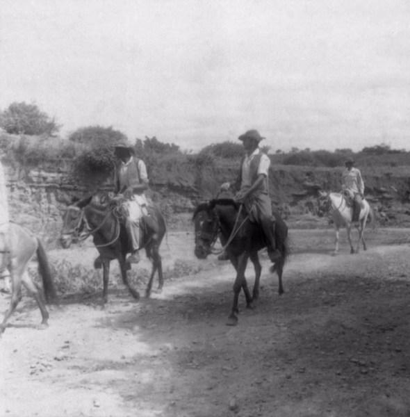 Vaqueiros na cidade de Palmeiras (BA) - 1962