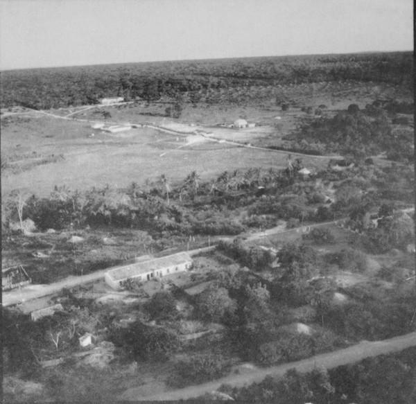 Vista aérea da cidade de Iraquara (BA) - mar. 1962