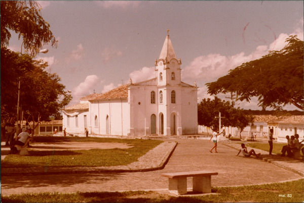 Igreja Matriz : Praça da Matriz : Antônio Cardoso, BA - 1983