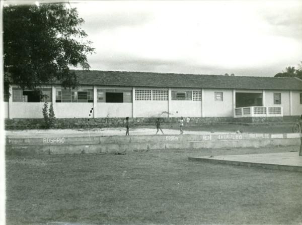 Centro Educacional Cenecista Carlos França : Boquira, BA - [19--]