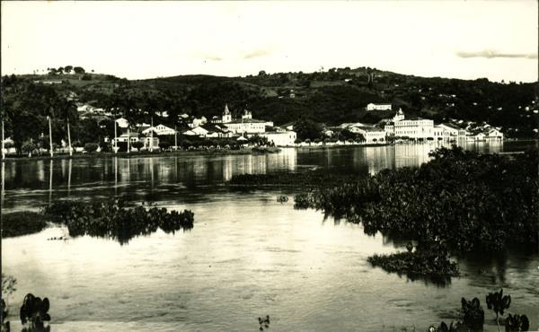 Rio Paraguaçu : Vista parcial da cidade : Cachoeira, BA - 1957