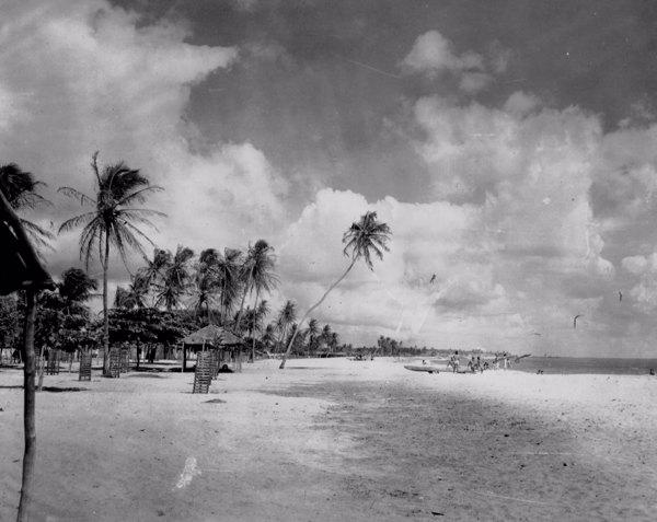 Praia do Clube Náutico em Fortaleza (CE) - maio. 1952