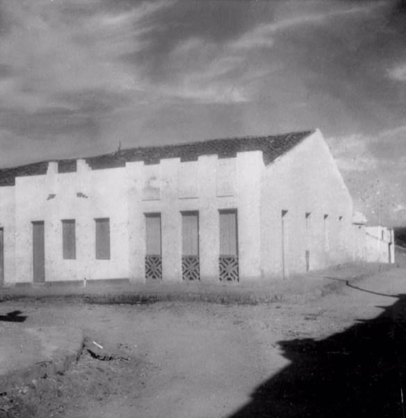 Casas comerciais do distrito de Quitaiús em Lavras da Mangabeira (CE) - fev. 1962
