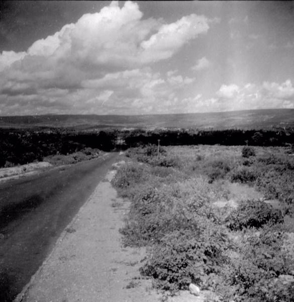 Estrada que liga Barbalha a Crato (CE) - fev. 1962