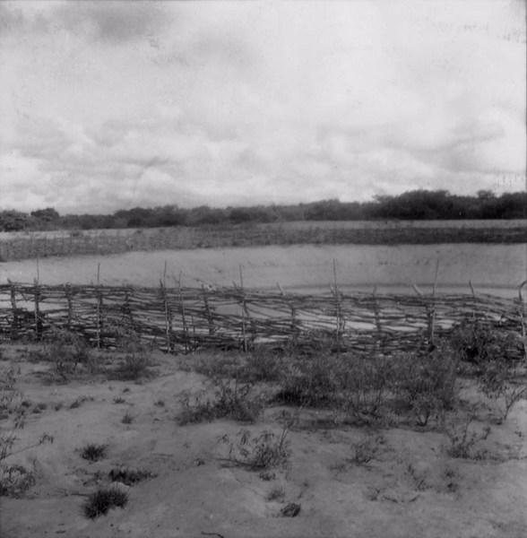 Cacimba no distrito de Barreiros em Monsenhor Tabosa (CE) - fev. 1962