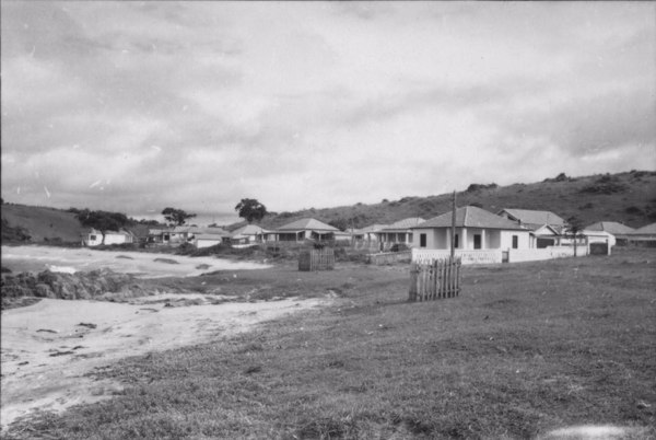 Vila de Irirituba. Vendo-se casas novas e modernas (ES) - 1958