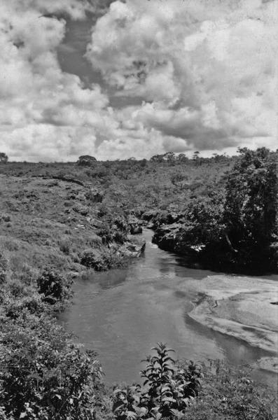 Rio Corumbá perto de Corumbá de Goiás (GO) - 1957