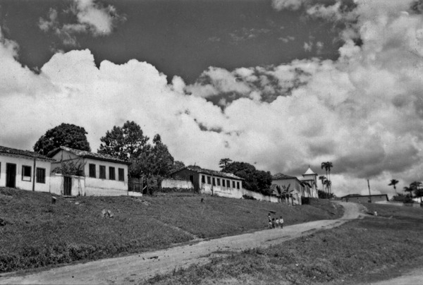 Rua principal de Corumbá de Goiás (GO) - 1957
