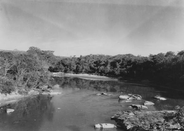 Rio Corumbá perto de Luziânia (GO) - 1954