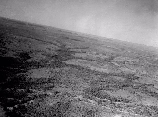 Vista parcial aéra da região próxima de Carolina (MA) - 1953