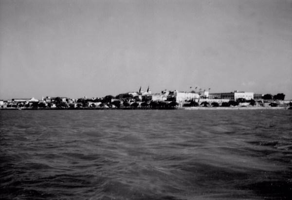 Cidade de São Luís a partir da Baía de São Marcos (MA) - 1957