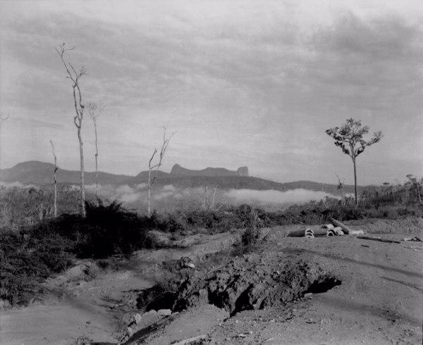 Estrada Rio - Bahia em Catuji (MG) - 1952