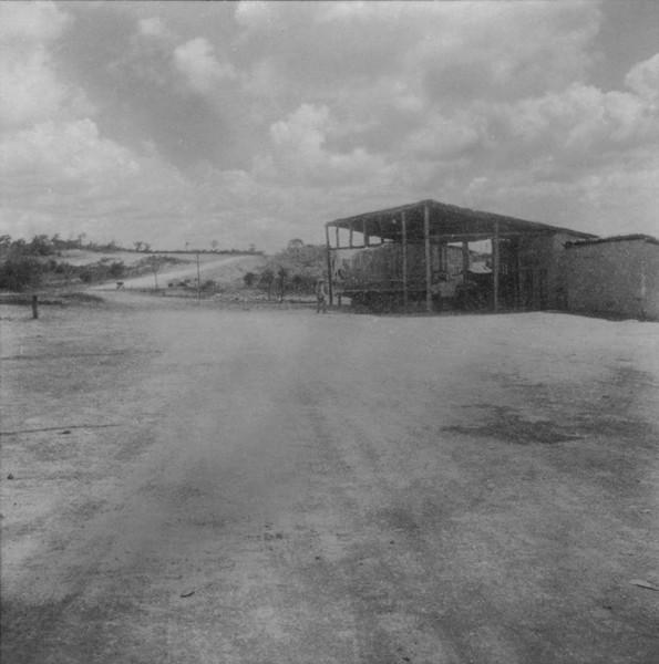 Galpões para caminhões em Espinosa (MG) - fev. 1962