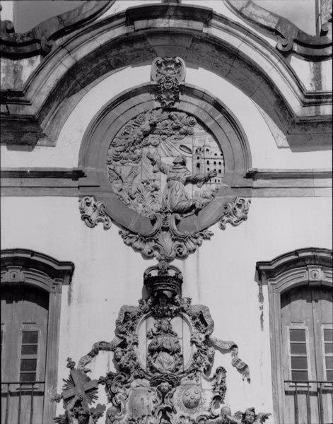 Detalhe da fachada da Igreja de São Francisco de Assis em Ouro Preto (MG) - déc. 60