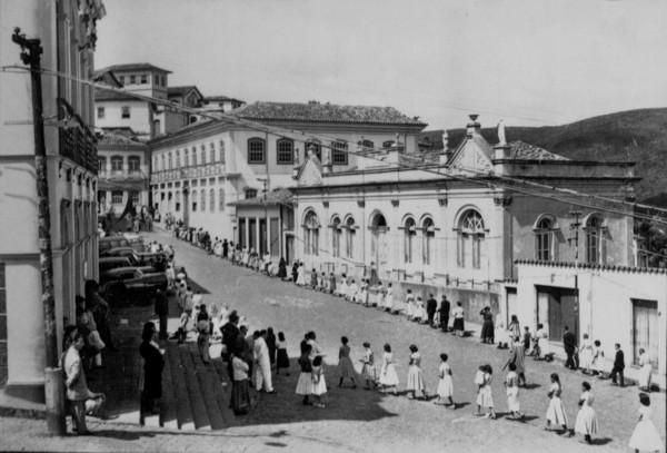 Procissão de Páscoa : Município de Ouro Preto - 1956