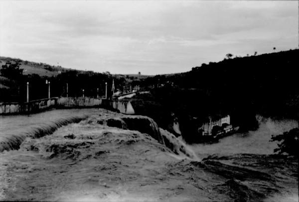 Cachoeira do Pai Joaquim em Sacramento (MG) - 1957