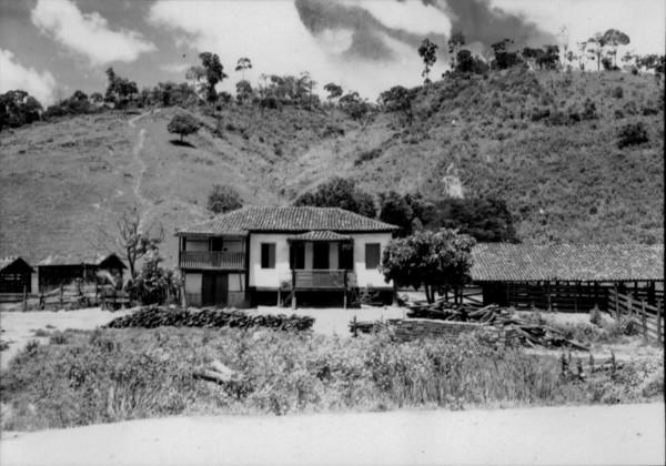 Casa de fazenda em Alpercata (MG) - 1957