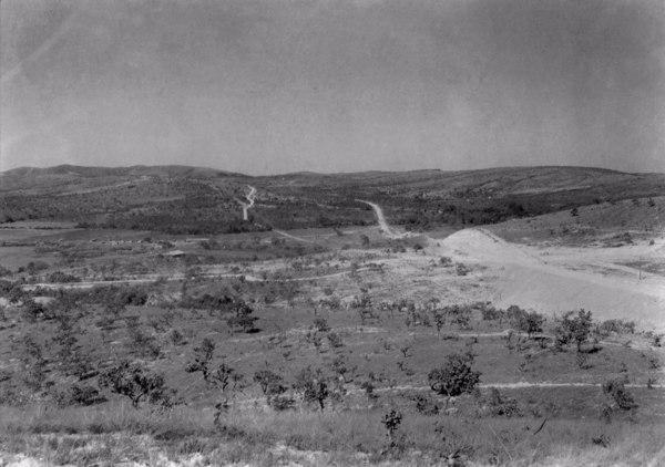 Estrada que liga Sete Lagoas a Curvelo (MG) - 1954