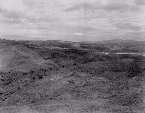 Estrada que liga Itabirito a cidade de Rio Acima (MG) - 1954