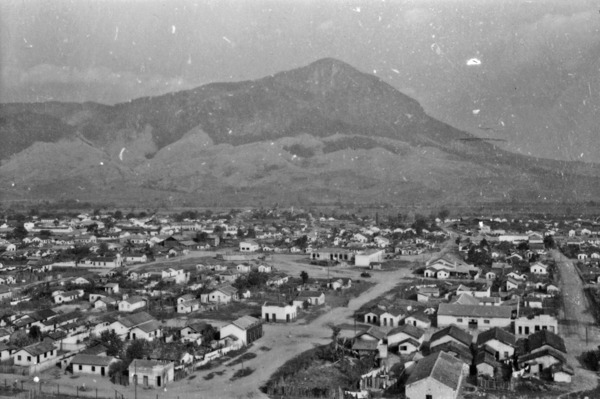 Cidade de Governador Valadares : Pico do Ibituruna (MG) - 1952