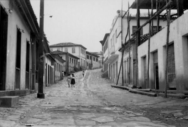 Rua em Peçanha (MG) - set. 1952