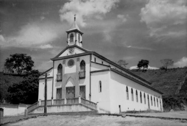 Igreja Matriz de Santa Maria Eterna em Santa Maria do Suaçuí (MG) - 1952