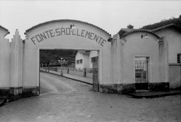 Fonte São Clemente em Jacutinga (MG) - déc. 50
