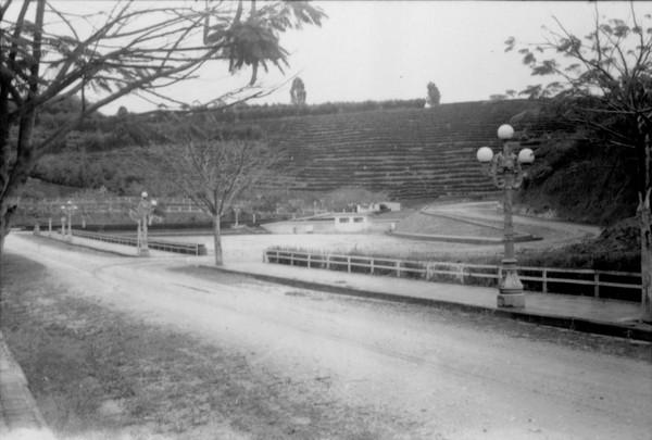 Parque da Fonte São Clemente : Município de Jacutinga - déc. 50