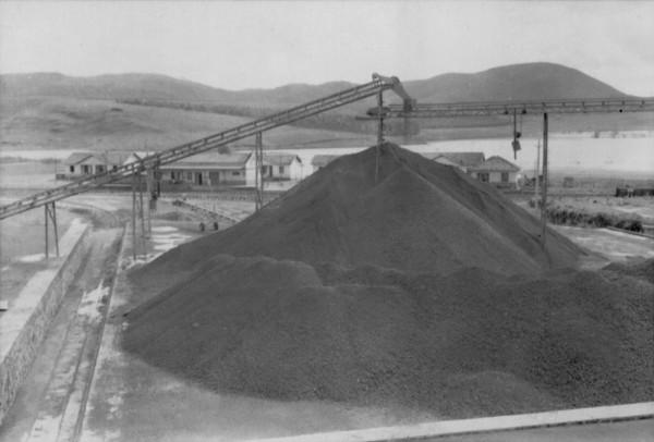 Exploração de bauxita pela CBA em Poços de Caldas (MG) - 1958