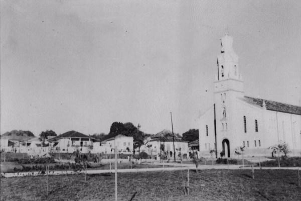 Igreja em Nepomuceno (MG) - 1958