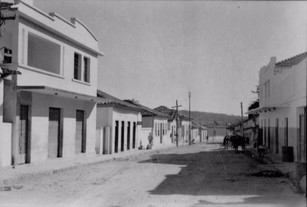 Rua Dr. Melo Viana em Bonfim (MG) - 1958