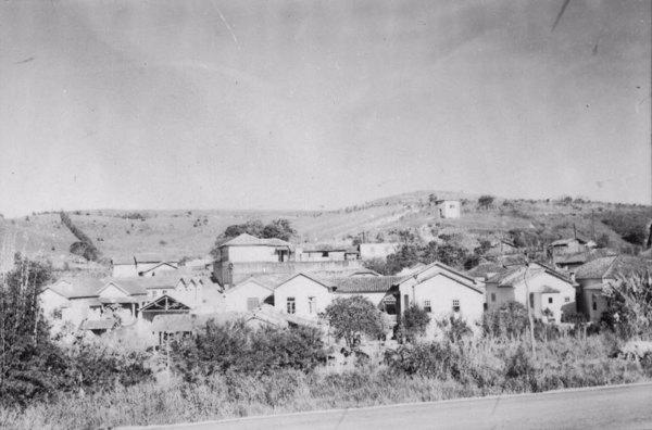 Depressão alongada da cidade em Ressaquinha (MG) - 1958
